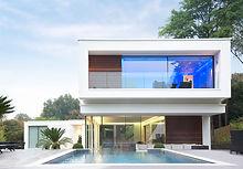 有游泳池現代住宅
