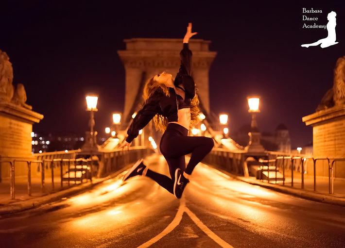 Barbara Szenasi ir-sztepp irish dance
