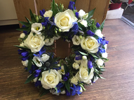 Blue and white mixed open wreath