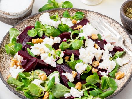 Lamb's lettuce and Gorgonzola Salad (Serves 2)