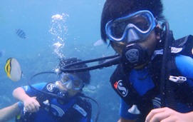 沖縄 青の洞窟 体験ダイビング 家族旅行 子供