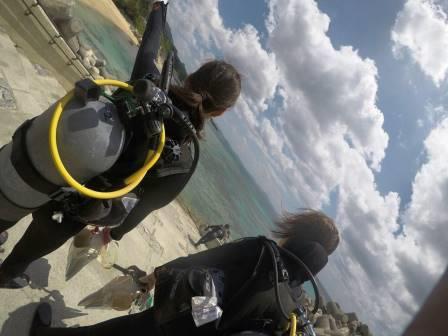女子旅 沖縄 青の洞窟 ダイビング