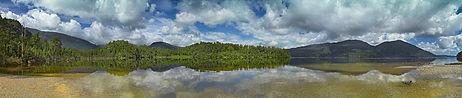 Hokitika-Lake-Kaniere-Water-Mountains-West Coast