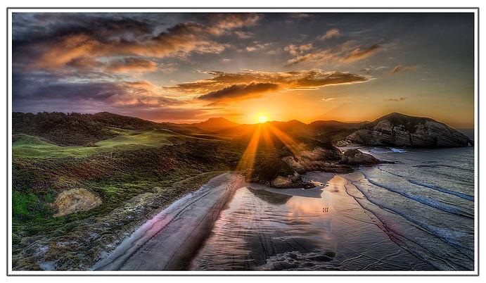 Wharariki Beach_Golden Bay_Coastal_ Beach_Sea_Sunset_Clouds_Waves_Light Shafts.