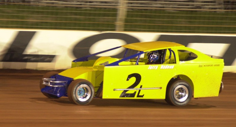 Jerry Nadeau running on Dirt