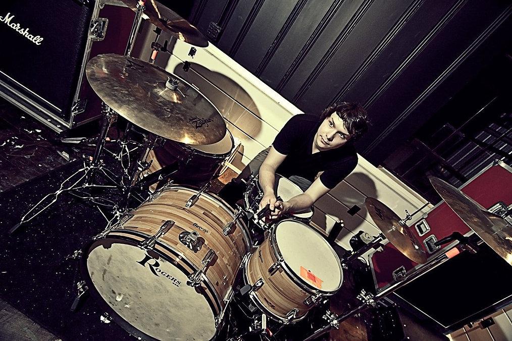 Aaron Roy The Drummer | Drummer | Freelance Drummer | Cincinnati, Ohio | Remote Session Drummer