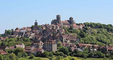 Village_de_Vézelay.jpg