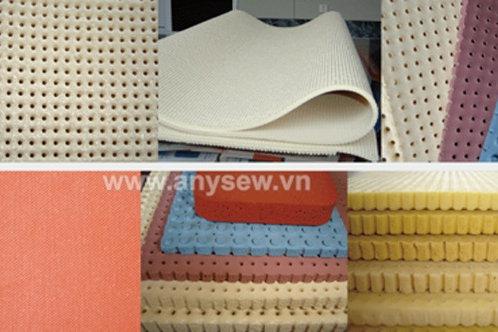 Tấm silicon bàn hút màu trắng đục, có lỗ mã số DS-H-L10I khổ 0.9x1.8x0.6cm