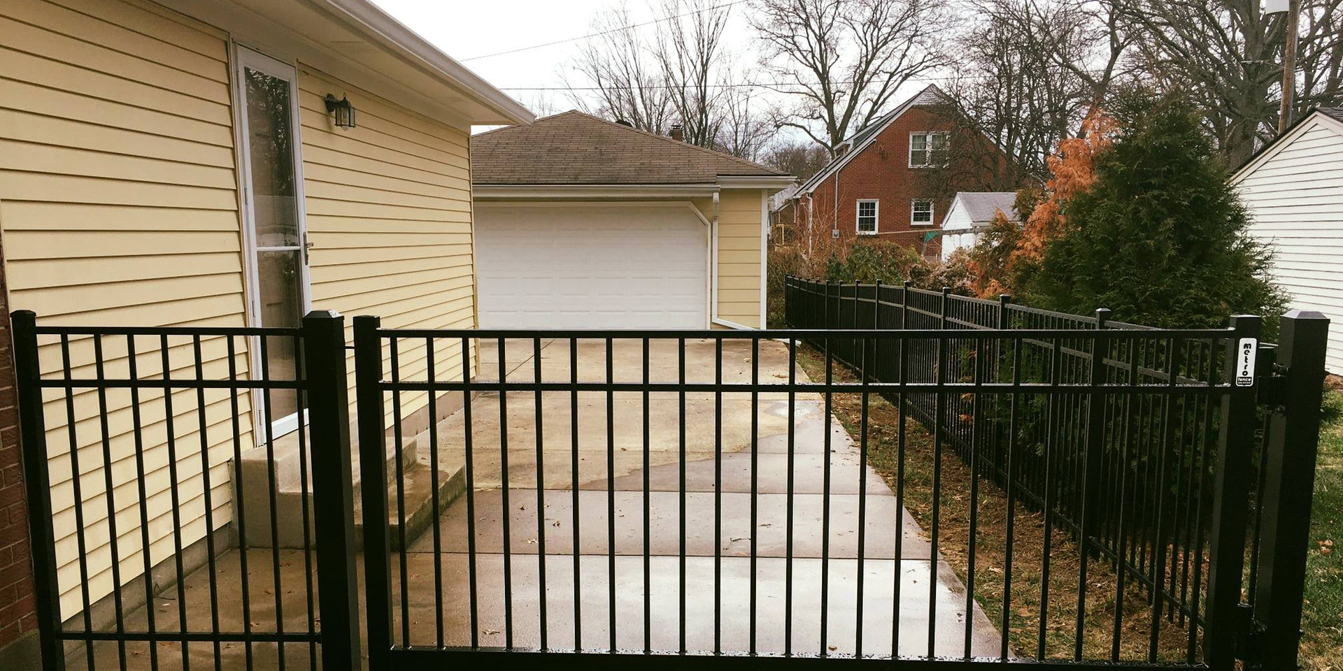 Estate Gate - Style #7300, Long Islander
