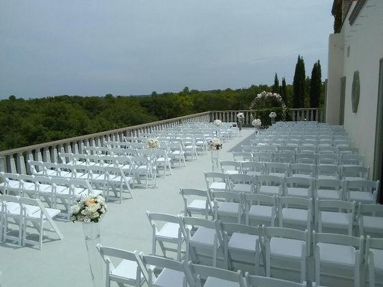 Outdoor wedding balcony