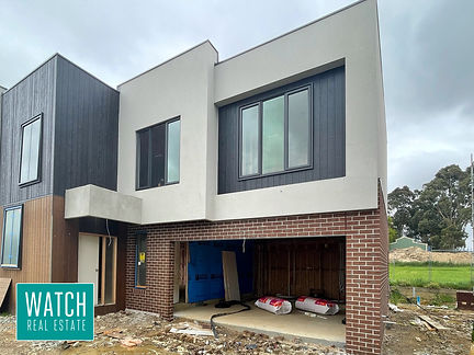 Freestanding Spacious Townhouse - North of Highway