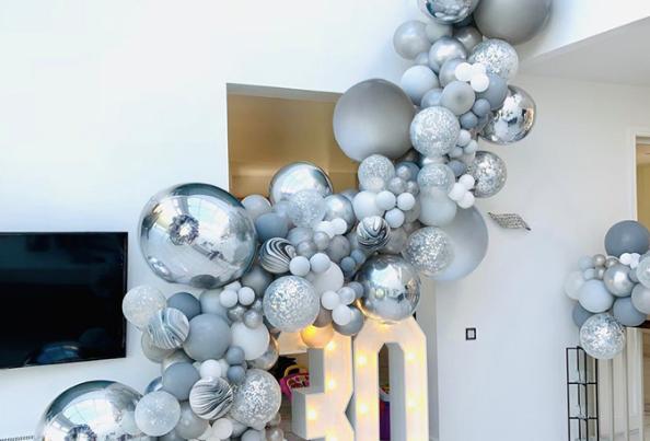 136 pc. Set Silver|Marble|White|Silver Confetti