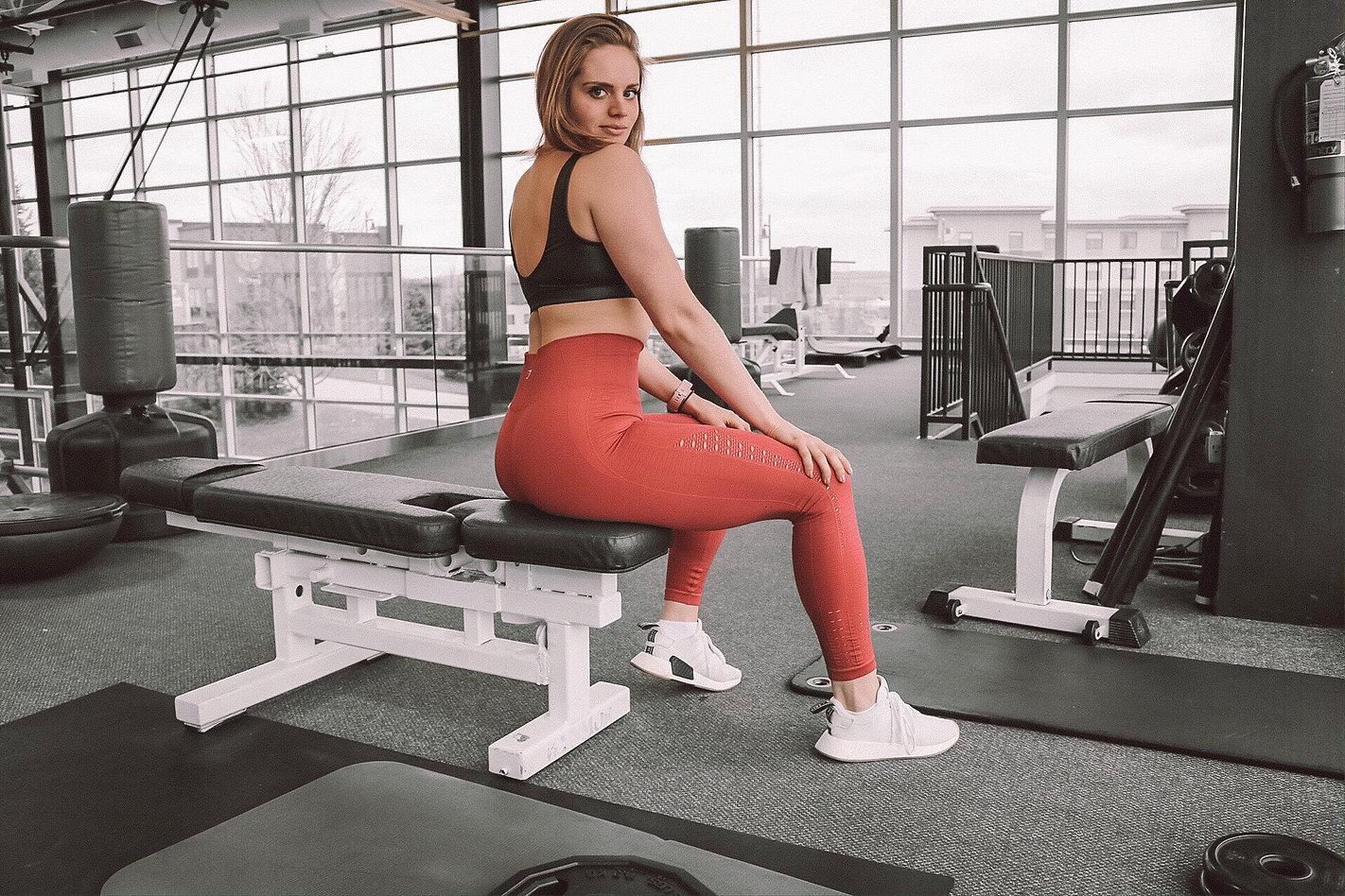 Etra athlete Mandi Kalmon beginning her workout.