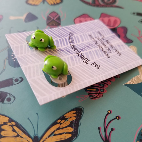 Fun froggies stud earrings