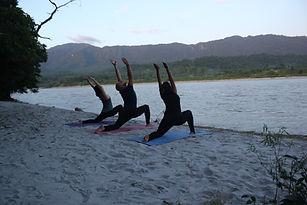 best yoga ashram in rishikesh