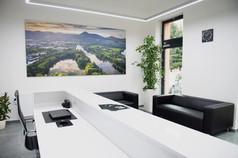 Velkoformátové obrazy pro realitní kancelář D8 Reality