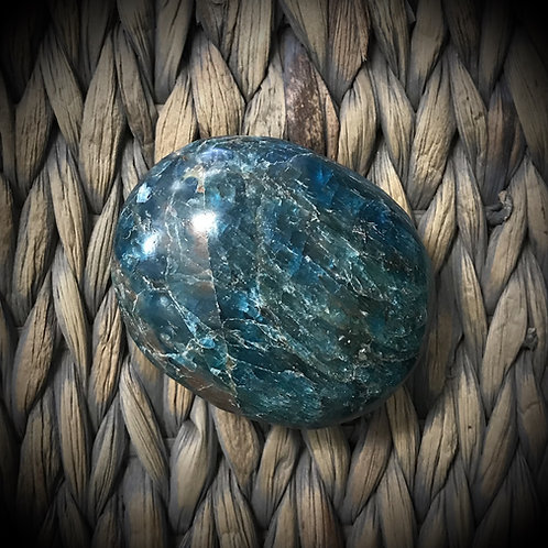 Labradorite Gemstone Palmstone (medium)