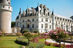 Королевские дворцы
