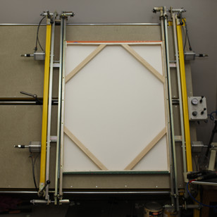Pneumatic stretcher gives consistent results for large print runs.