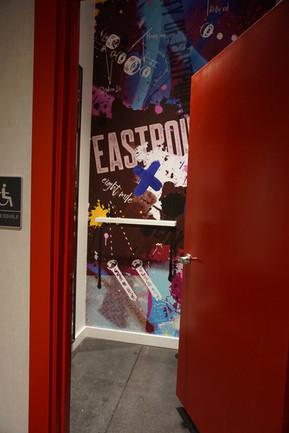Right wing fitting room - Foot Locker Power Store