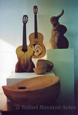 mujer/guitarra body of work