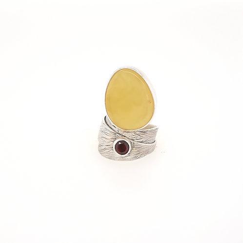 Dorota Cenecka - Ring Satin Collection with Garnet