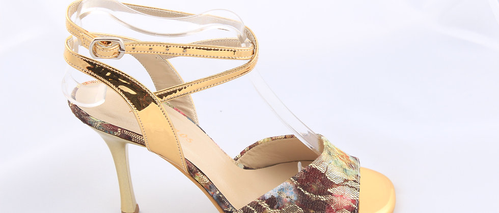 Flower Lace with Golden Ankle