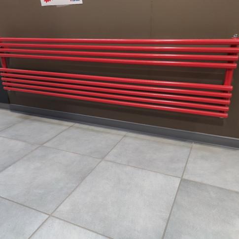 Sèche-serviette RIGO 647W rouge horizontale – cédé à 236.90€ TTC