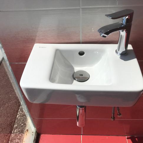 Ensemble lave-mains Renova 40x25cm 300€ TTC