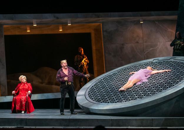Jennifer Holloway as Salome (laying on cistern) with Jennifer Larmore (Herodias) and Frank Van Aken (Herod)