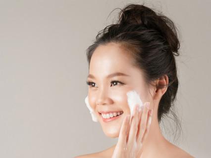 Bí quyết rửa mặt hay những lỗi bạn cần lưu ý khi làm sạch da