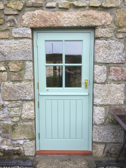 spray finished Sapeli Stabe door and fra