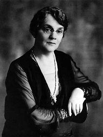 Lillian Beynon Thomas.jpg