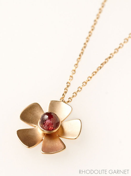 CLASSIC FLOWER NECKLACE