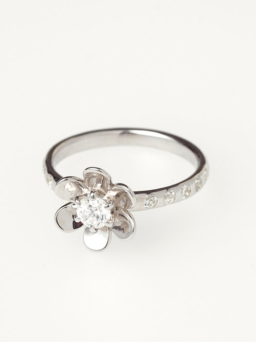 ETERNAL FLOWER RING PT
