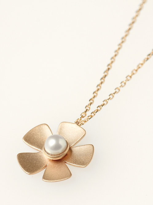 CLASSIC FLOWER NECKLACE PEARL