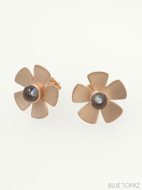 CLASSIC FLOWER PIERCED EARRINGS