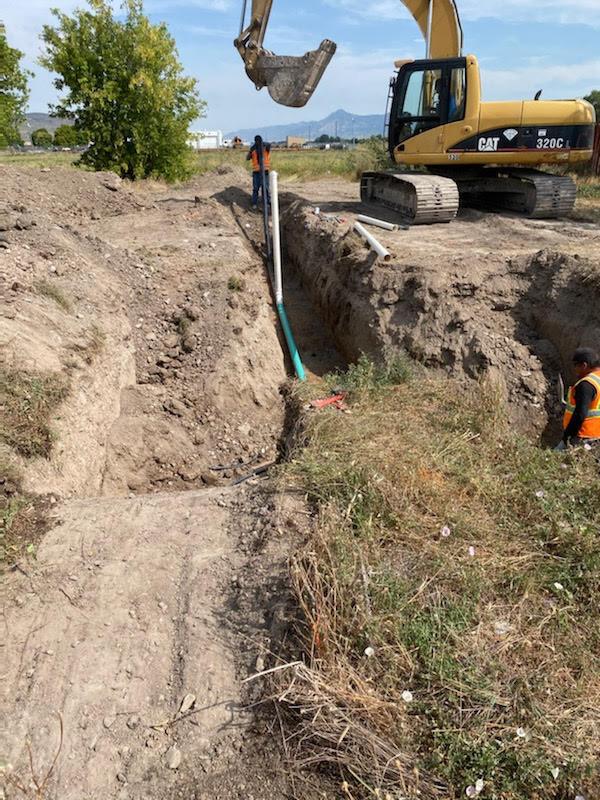 Installing Water Pipe 2.jpg