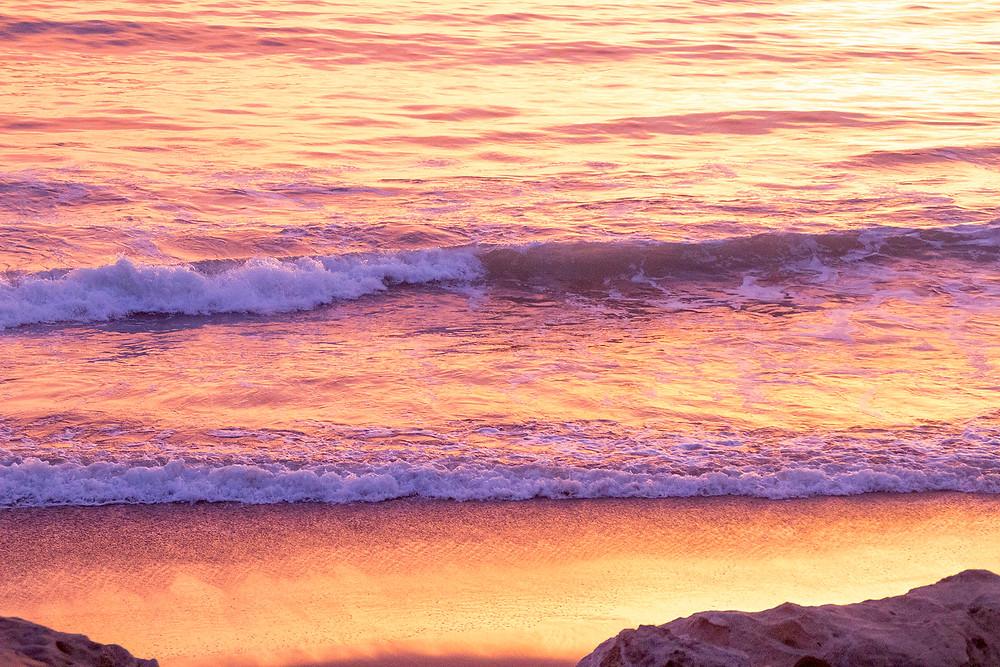 Creamy Pastel Waves