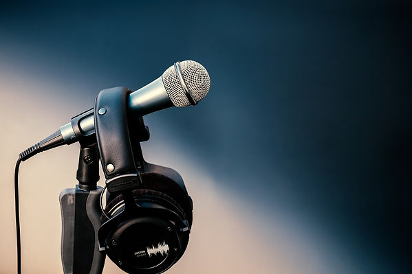 Microphone and headset