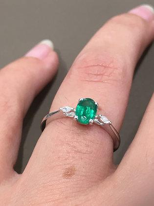 Bague Émeraude et diamants or 750/000