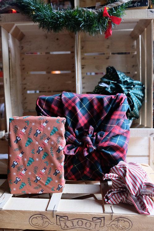 Emballage cadeau réutilisable Noël (Furoshiki)
