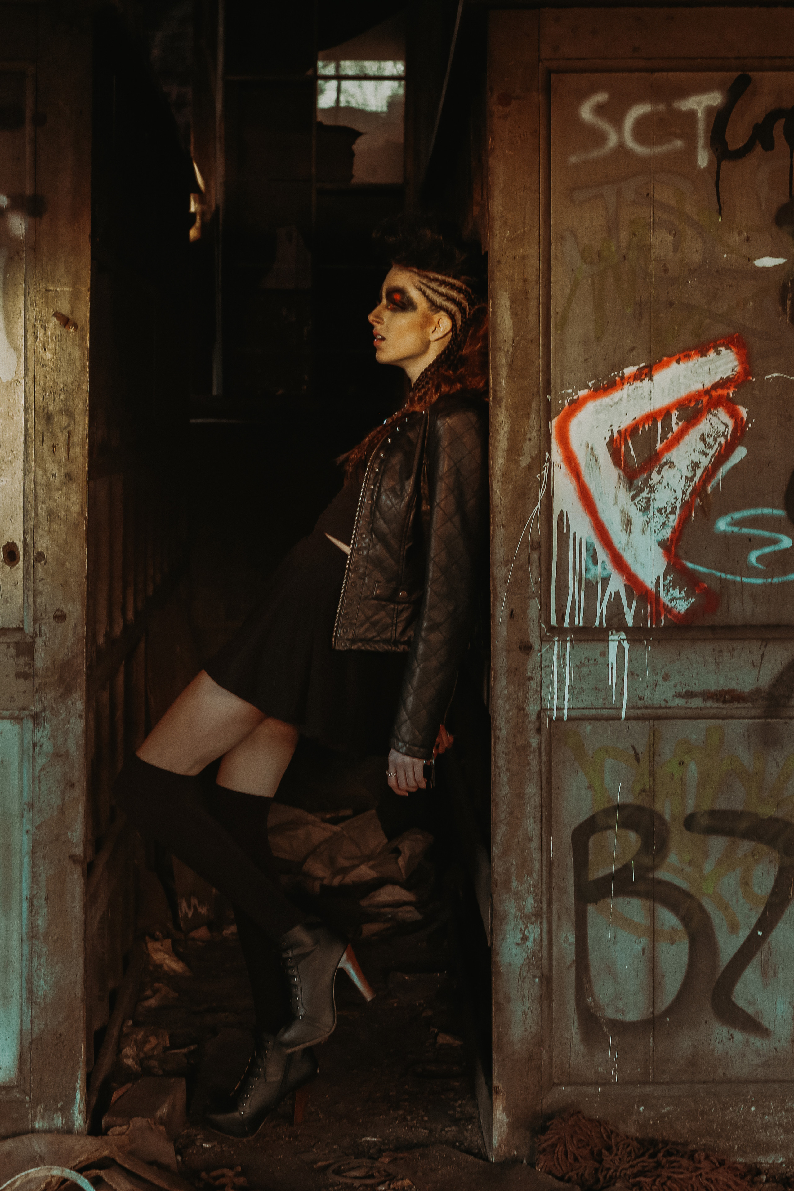 grungy outdoor editorial session