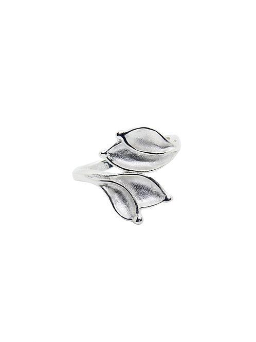 R211 - Sterling Silver Four Leaf Ring
