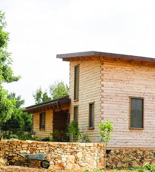 בית לוגים יביל מוכן למגורים