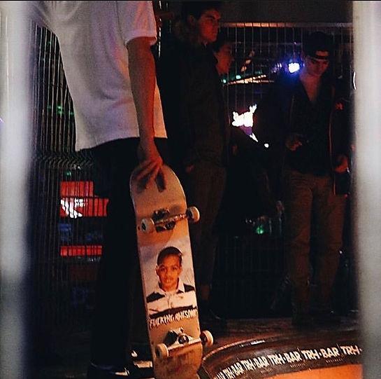 Skateboard pool