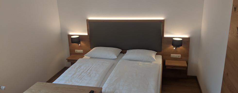 Dreibettzimmer (4).jpg