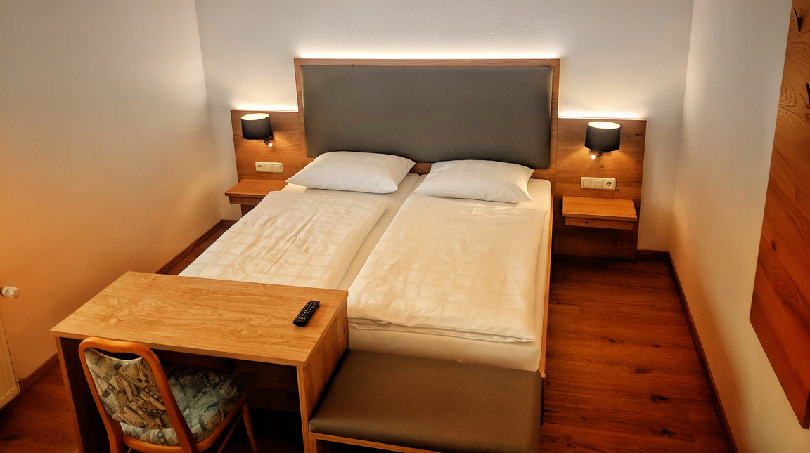 Dreibettzimmer (4)-01.jpeg