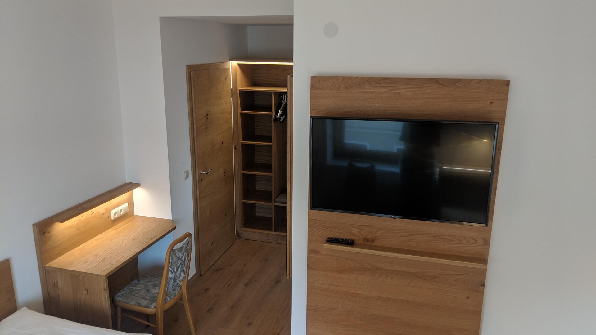Zweibettzimmer (3).jpg
