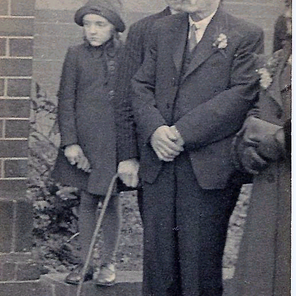 Frank Pearson born 1917, seen here at his son Frank's wedding.
